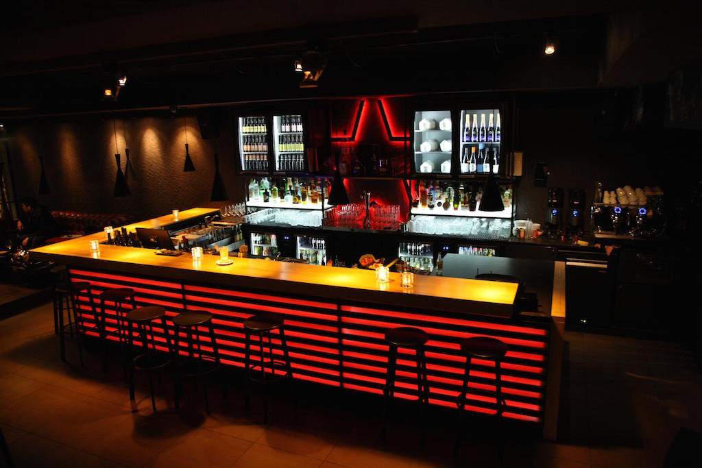 Ginger Amsterdam - Burger, Steak & Karaoke Bar - Book now!